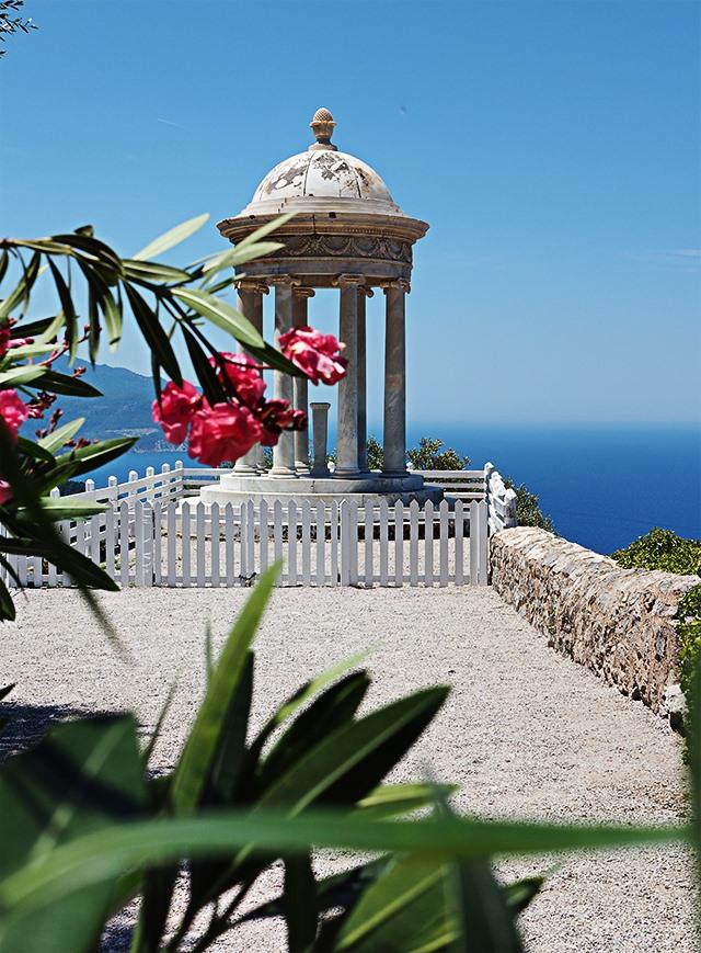 Mallorca-Son-Marroig-Pavillon-Blumen