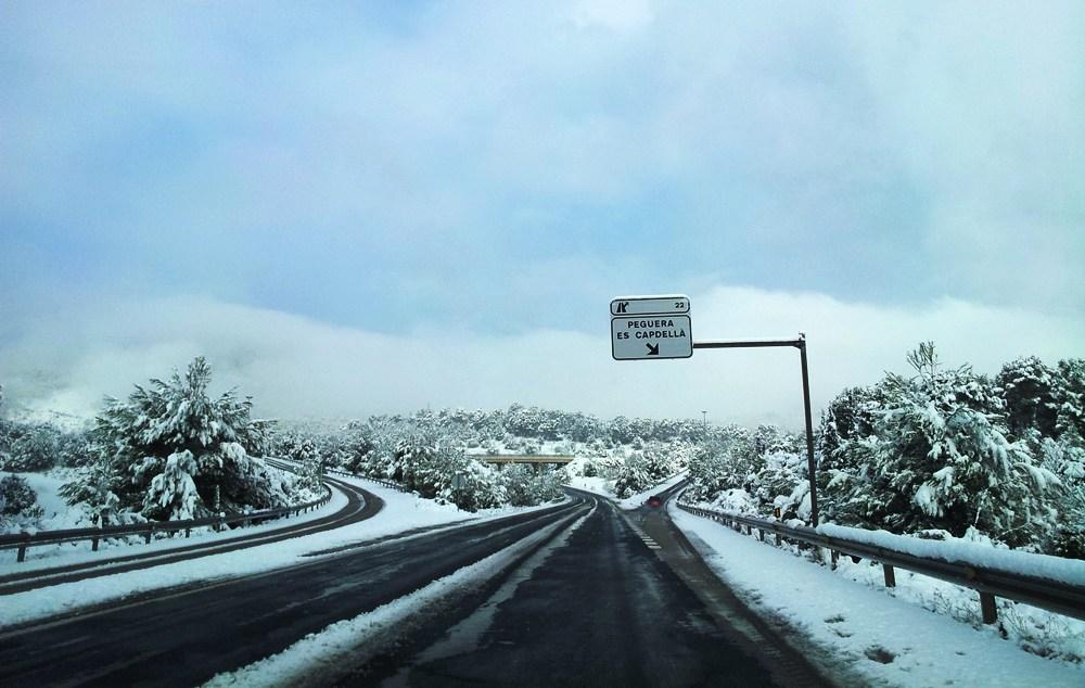 Mallorca-Winter-Schnee-Autobahn