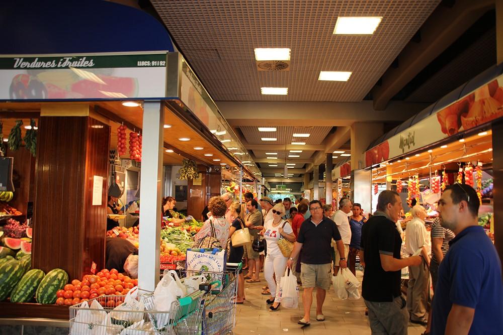 Mallorca-Markthalle-Einkaufen