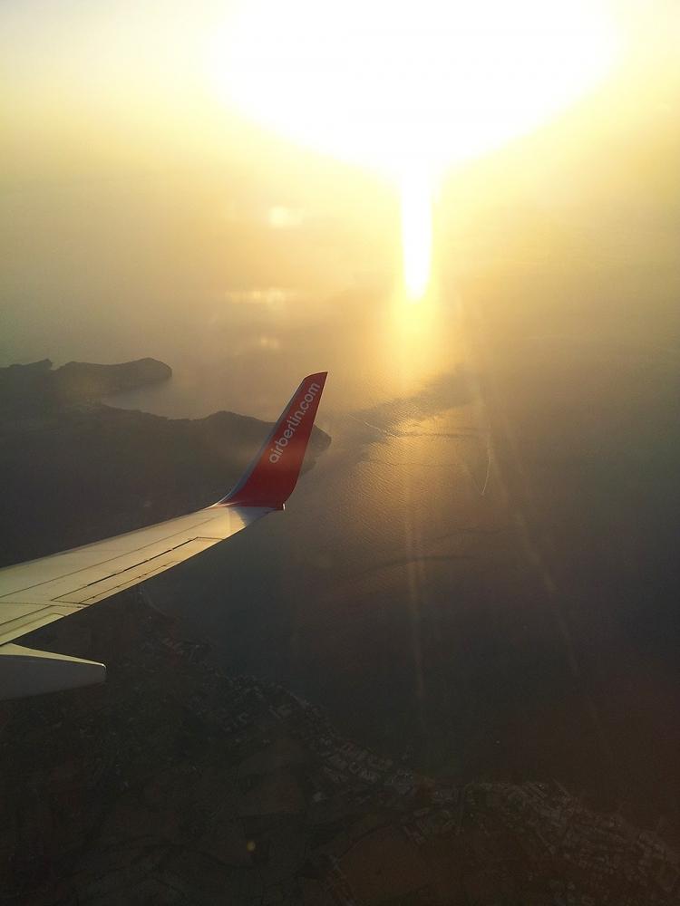 Mallorca-Can-Picafort-Strand-Meer-Flugzeug-Bucht