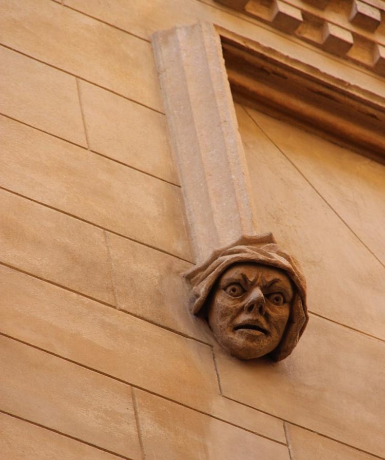 Mallorca-Palma-Hauswand-Gesicht