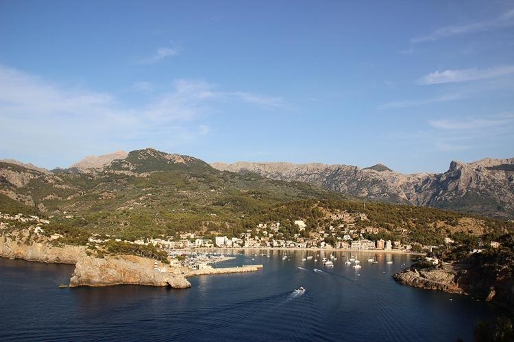 Mallorca-Port-de-Soller-Hafen-Abend