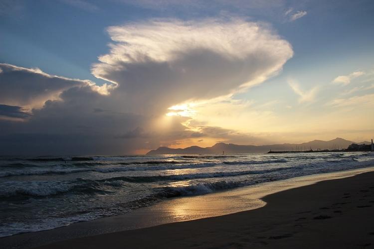 Mallorca-Can-Picafort-Sonnenaufgang-Wolken