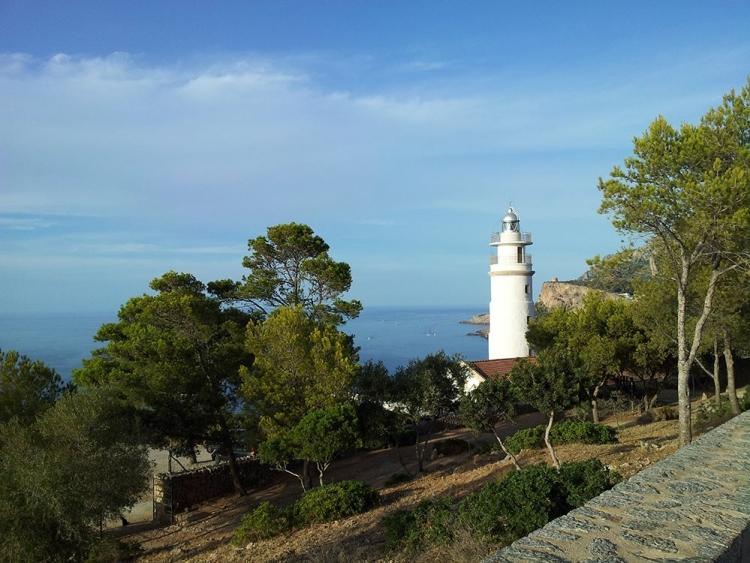 Mallorca-Port-de-Andratx-Meer-Leuchtturm-Ausblick