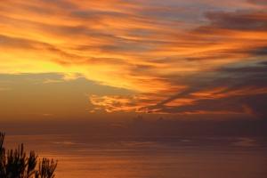 Mallorca-Port-de-Soller-Meer-Sonnenuntergang-Wolken-300x200