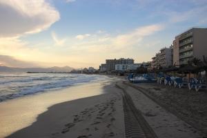 Mallorca-Can-Picafort-Strand-Morgen-Meer-300x200