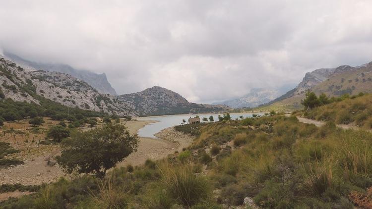 Mallorca-Cuber-Stausee-Wolken-Berge