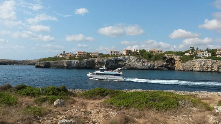 Mallorca Hafenausfahrt-Porto-Cristo-Boot-Ausflug
