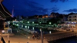 Mallorca-Porto-Cristo-Hafen-Nacht-Fluss-300x169