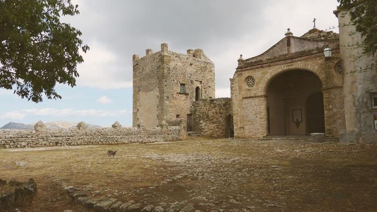 Mallorca-Puig-de-Maria-Katze-Kirche Eingang