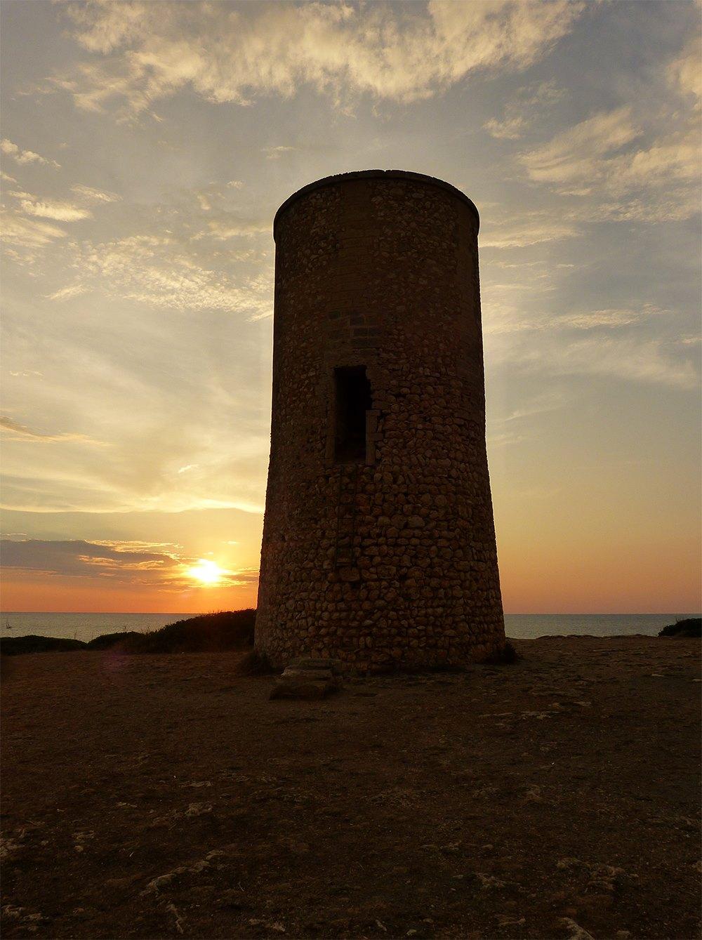 Mallorca-Porto-Cristo-Meer-Torre-del-Serral-dels-Falcons