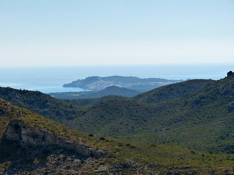 Mallorca-Aussichtspunkt-Strasse-zur-Cala-Mitjana-Meer
