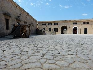 Mallorca-Palma-Armee-Museeum-300x225