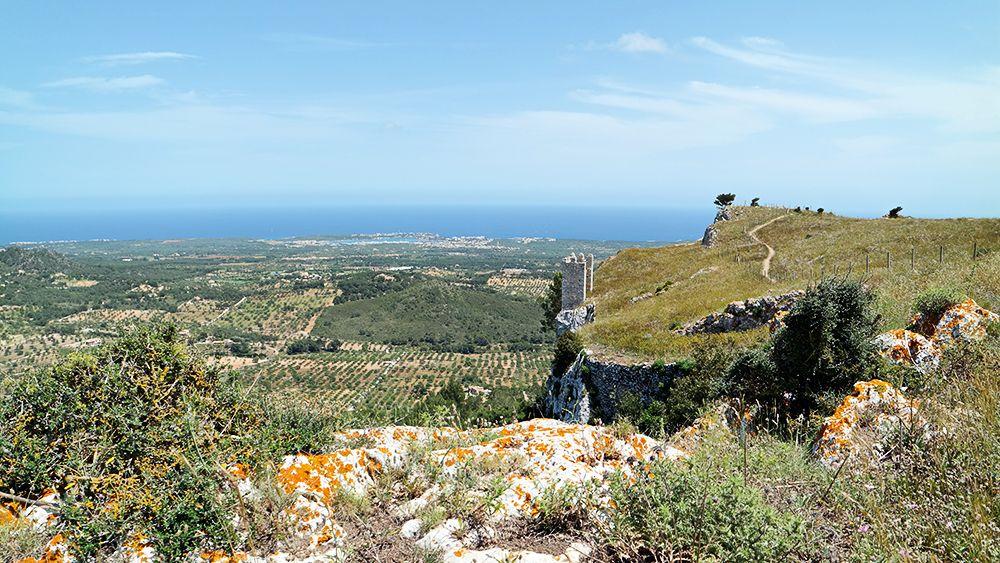 Mallorca-Castell-de-Santueri-Ausblick-Meer