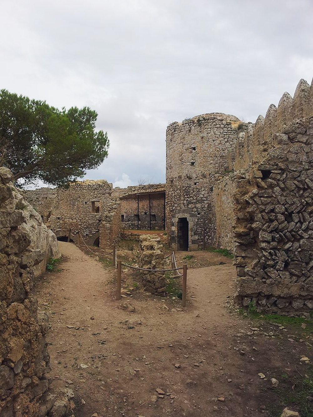 Mallorca-Castell-de-Santueri-Ruine