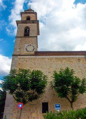 Mallorca-Costitx-Kirche-Uhr-Turm