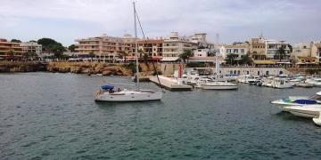 Cala-Ratjada-Hafen-Boote-360x180