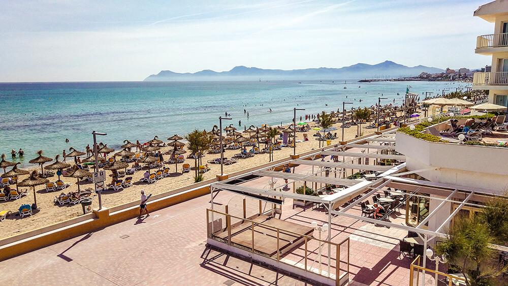 Mallorca-Can-Picafort-Strand-Meer-Promenade
