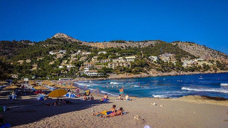 Mallorca-Canyamel-Strand-Berge