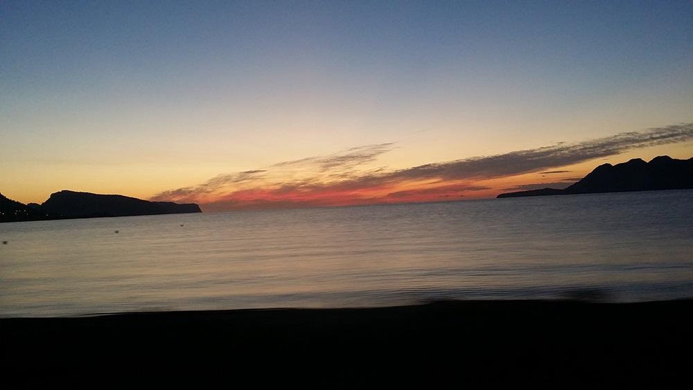 Bucht-Pollenca-Sonnenaufgang-Meer