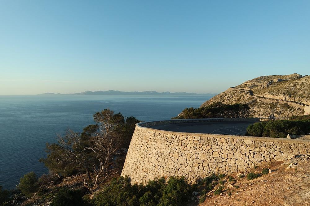 Cap-Formentor-Sonnenaufgang-Meer-Strasse-Sonnenschein
