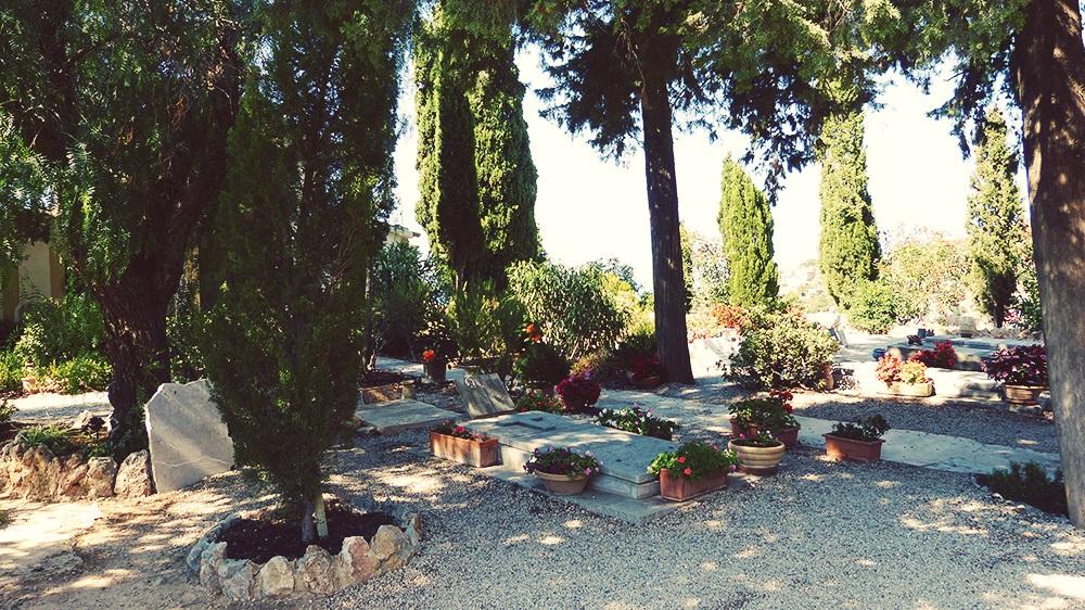 Mallorca-Deia-Friedhof-Graeber-3
