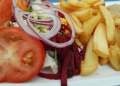 Mallorca-Empfehlung-Restaurante-Portobello-Schnitzel-Pommes-120x86