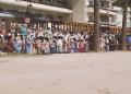 Mallorca-Port-de-Soller-Piratenfest-Kampf-Absperrung-Frauen-Warten-120x86