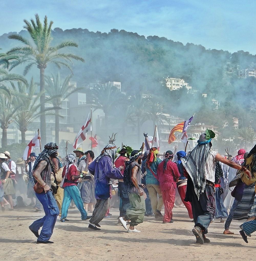 Mallorca-Port-de-Soller-Piratenfest-Kampf-Angriff