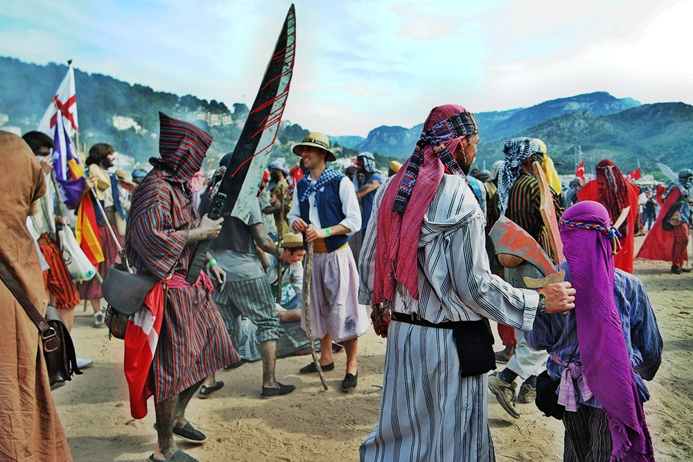 Mallorca-Port-de-Soller-Piratenfest-Kampf-Messer