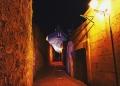 Mallorca-Alcudia-Nacht-Gasse-Kirche-120x86