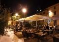 Mallorca-Alcudia-Nacht-Touristen-Restaurant-120x86