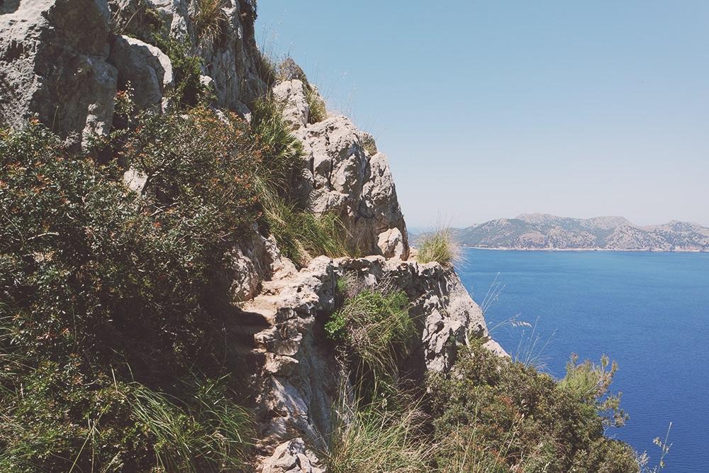 Mallorca-La-Victoria-Wandern-Geocachen-Meer-Aussicht-Treppenstufen
