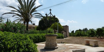Mallorca-Biniagual-Brunnen-Platz-360x180