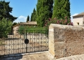 Mallorca-Biniagual-Tor-Einfahrt-120x86