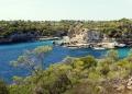 Mallorca-Cala-Es-Pontas-Bucht-Meer-Strand-Menschen-120x86