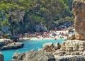 Mallorca-Cala-Llombards-Es-Pontas-Bucht-Meer-Touristen-120x86