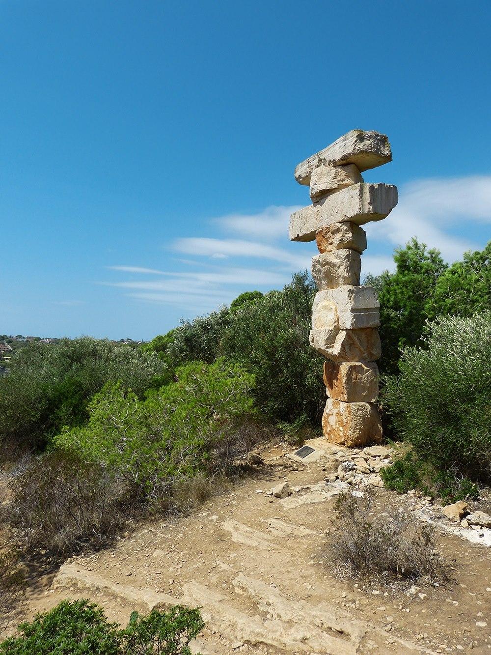 Mallorca-Cala-Santanyi-Es-Pontas-Felsen-Statue