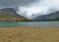 Mallorca-Stausee-Cuber-Wasser-Berge-Wolken-120x86