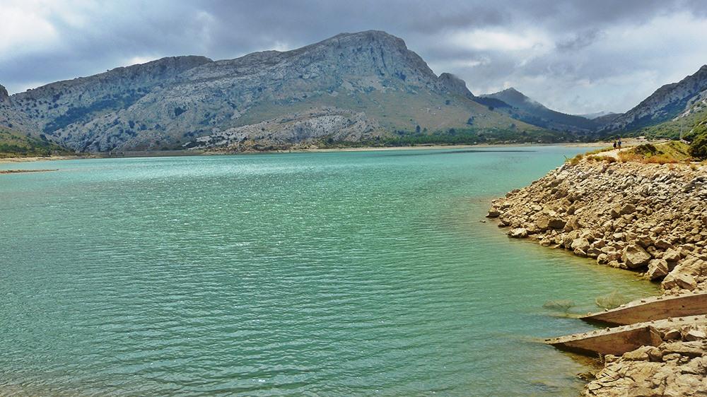Mallorca-Stausee-Cuber-Wasser-Ufer