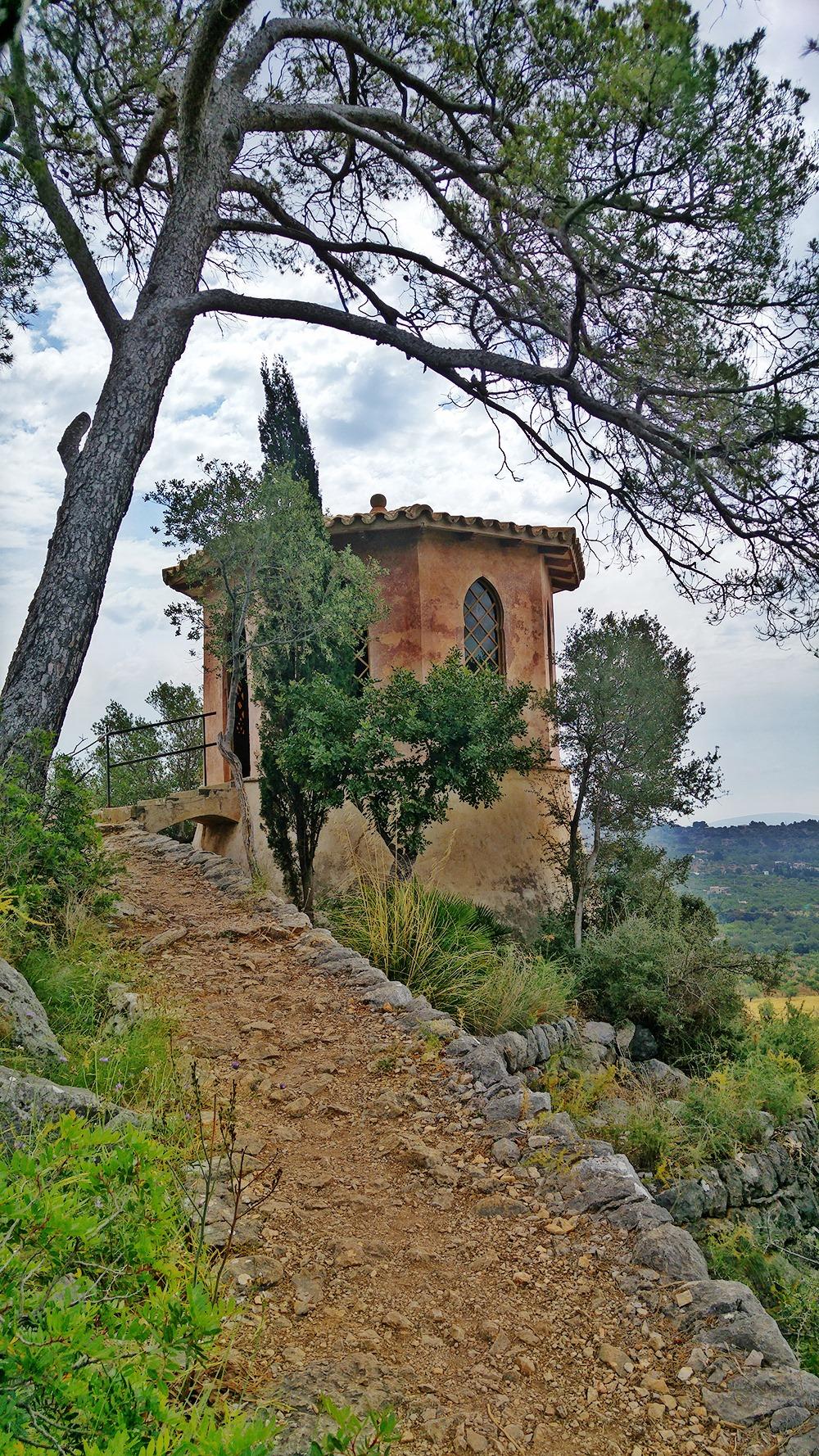 Mallorca-Raixa-Neo-arabischer-Turm-Aufstieg