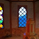 Mallorca-Raixa-Neo-arabischer-Turm-bunte-Fensterglaeser-3