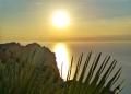 Mallorca-Cap-Formentor-Sonnenuntergang-Berge-Meer-Gegenlicht-Sonne-Palme-120x86