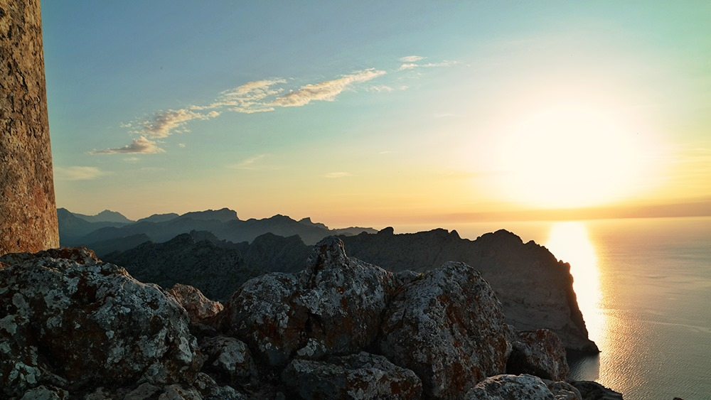 Mallorca-Cap-Formentor-Sonnenuntergang-Berge-Meer-Sonne