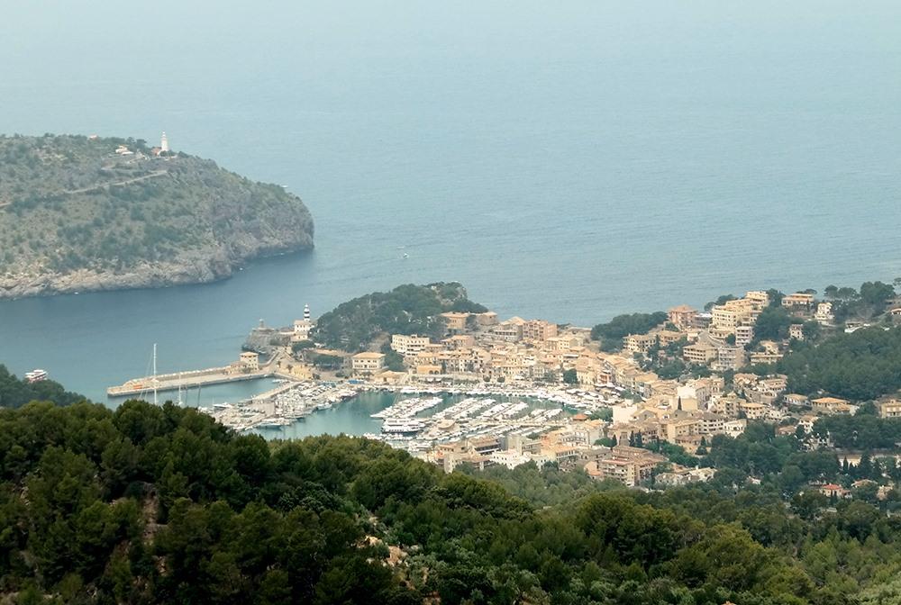 Mallorca-Mirador-de-Ses-Barques-Aussucht-Port-de-Soller-Meer-Hafen-Zoom