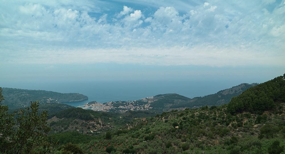 Mallorca-Mirador-de-Ses-Barques-Aussucht-Port-de-Soller-Meer
