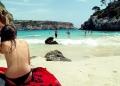 Mallorca-Calo-des-Moro-Strand-Meer-Menschen-Baden-Frau-120x86