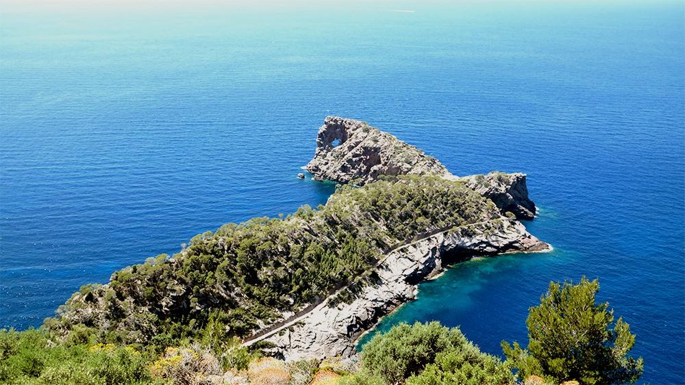 Mallorca-Restaurante-Mirador-Na-Foradada-Aussicht-Felsen