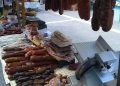Mallorca-Markttag-Alaro-Stand-Wurst-120x86