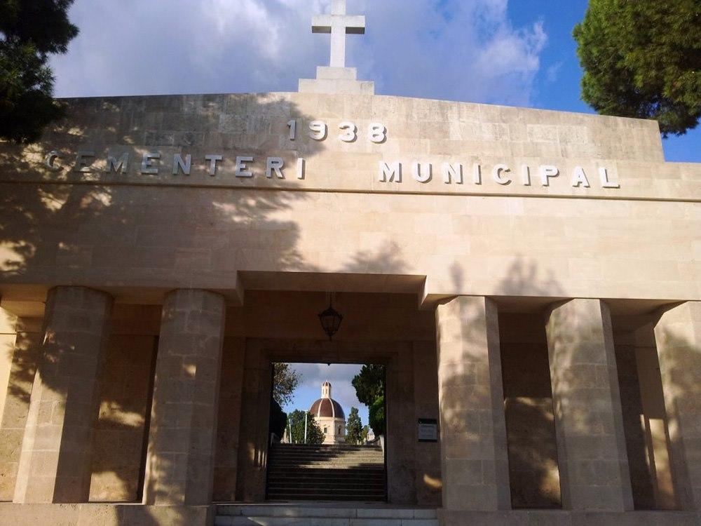 Mallorca-Palma-Friedhof-Das-Eingangsportal-des-Zentralfriedhofes-von-Palma